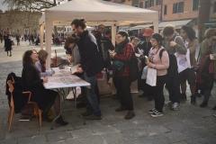 Signeringsköer och fantasiska läsare i Venedig, 2018.